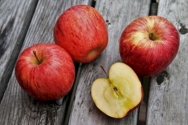 Wróżby z jabłek